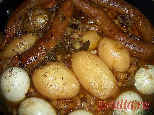 Хамин («Hamin») - Субботняя трапеза. Хаммин — буквально «горячий»), мясное блюдо; по традиции приготовляется в пятницу и помещается в печь до наступления субботы; подается к субботнему обеду.