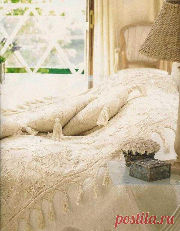Покрыввало и подушка для спальни | Шкатулочка для рукодельниц