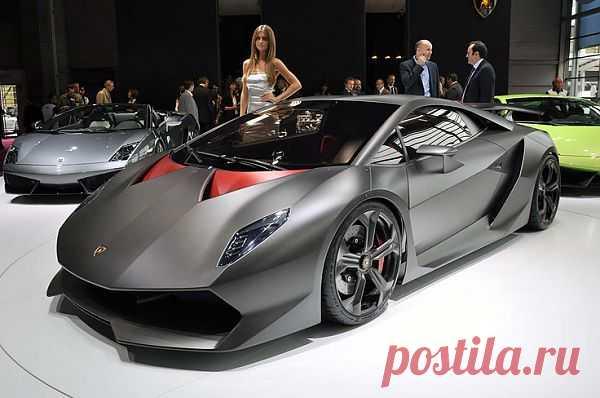 Lamborghini Sesto Elemento - благодаря использованию углепластика вес автомобиля удалось снизить до 999 кг, что сделало его самым лёгким автомобилем компании за всю её историю. Удельная мощность автомобиля - 600 л.с./т. По заявлению Lamborghini, разгон 0-100 км/ч занимает 2,5 с, максимальная скорость - 350 км/ч.  На капоте 2 воздухозаборника, при помощи которых воздух поступает к двигателю, и 10 воронок, через которые из двигателя выходит горячий воздух.
