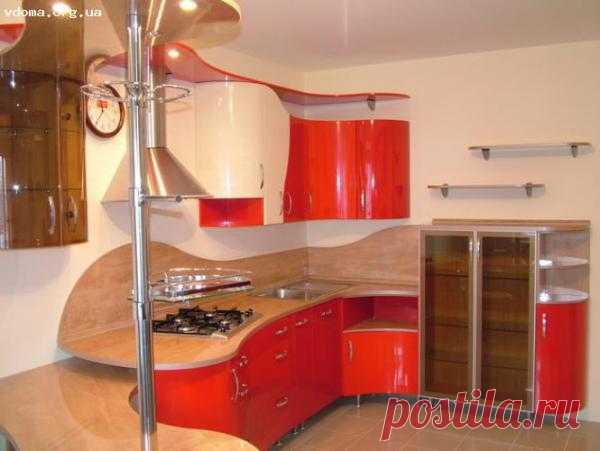 Кухня в ярком исполнении