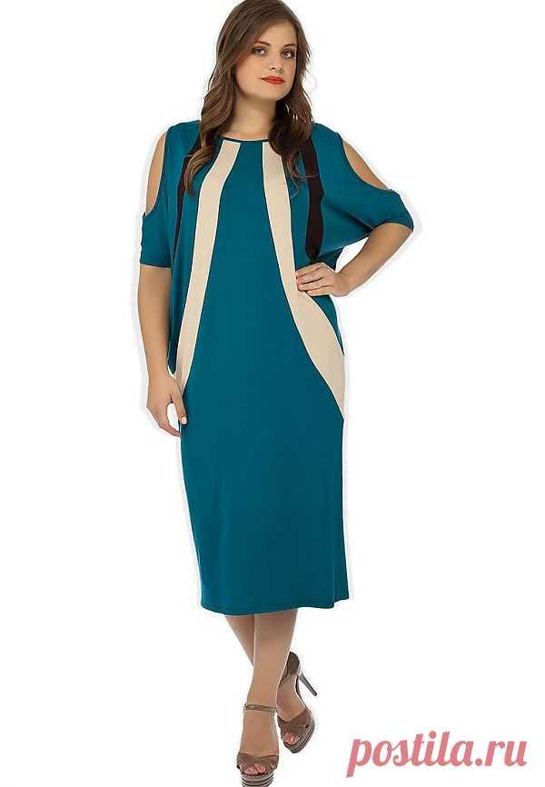 """Платье от Madam T не оставит вас без внимания! Оригинальный крой """"летучая мышь"""", визуальное сужение силуэта - чудесное платье для уверенных в своей красоте дам! Купить за 2 090 рублей."""
