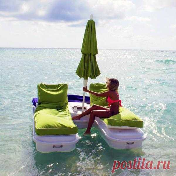 SeaDuction Float - Autonomous system for rest on water, the built-in cooler, dry space for storage. The price, however, bites - $5500