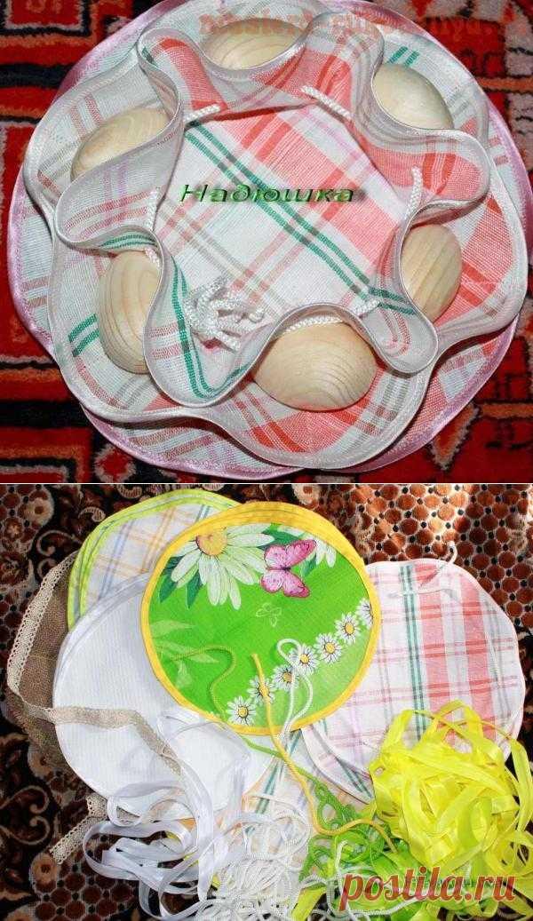 Салфетка для пасхальных яиц и кулича.
