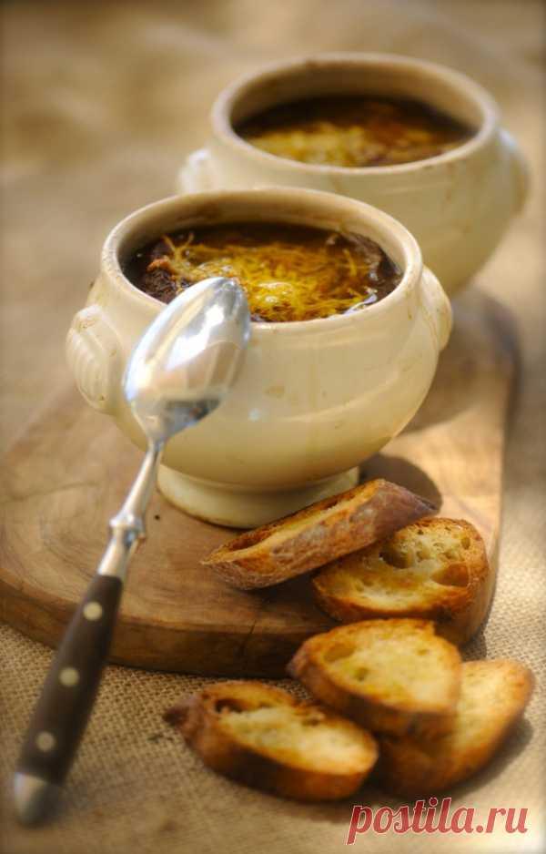 Рецепт из Франции: Луковый суп