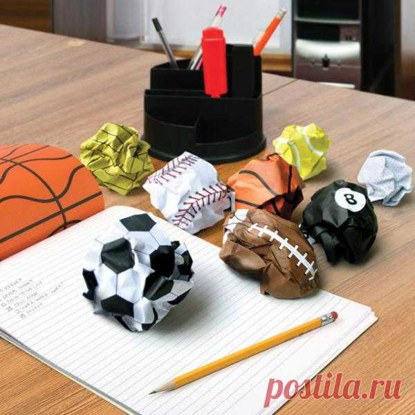 Блокнот с листами-мячами ($11 USD)