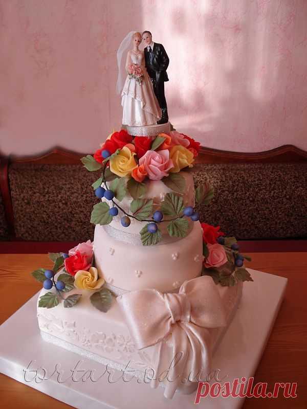 Свадебный торт *Манифик с розами* вес 11 кг