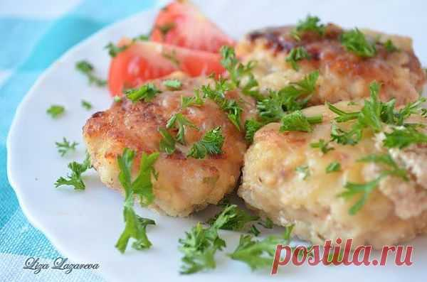 Куриные котлетки в сливочно-сырном соусе » Кулинарные рецепты