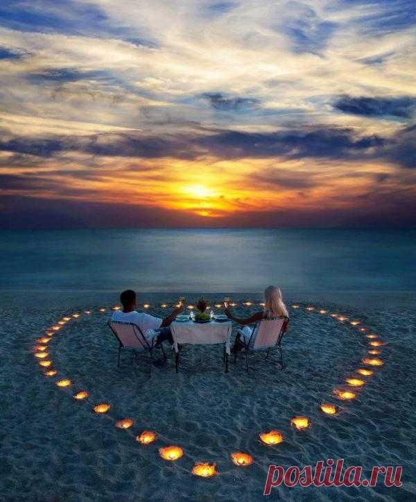 Встретить рассвет можно красиво и романтично. Достаточно проявить немного фантазии