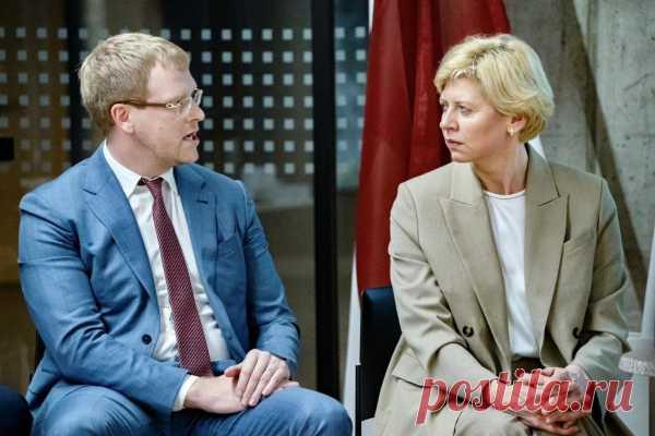 Вильнюс, 1965 год. В моду входят миниюбки :)