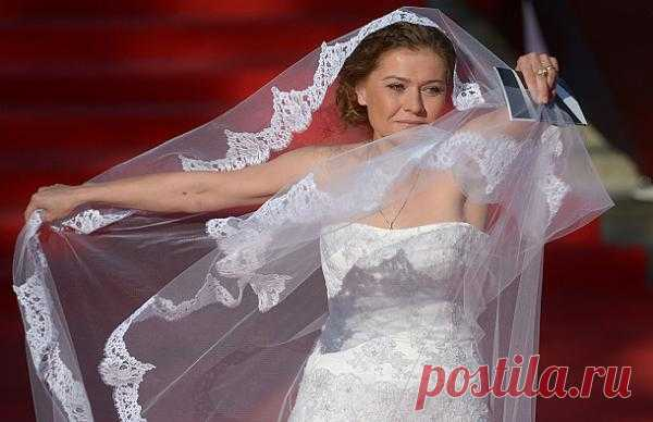 Мария Голубкина: http://zvezdi.mirtesen.ru/blog/43886274796