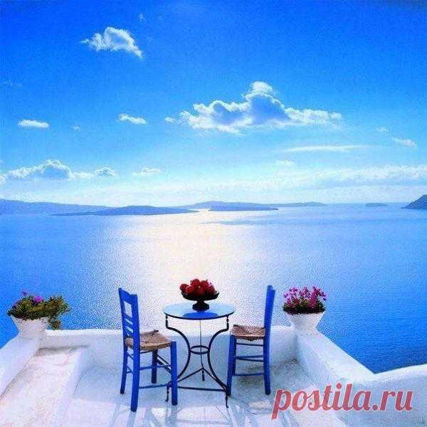 Вид с острова Санторини, Греция.