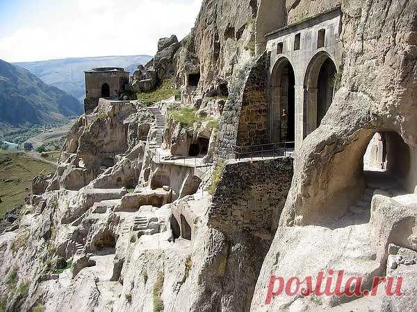 Вардзия — пещерный город http://udivitelnoe.mirtesen.ru/blog/43789504399