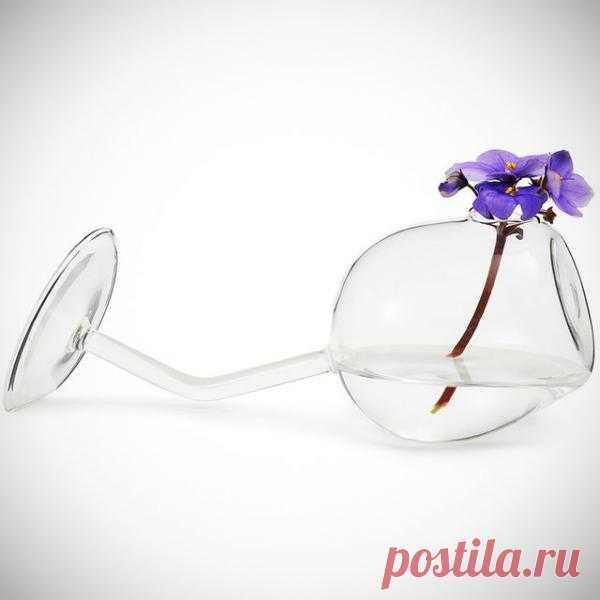 Очень необычная вазочка. $22 USD