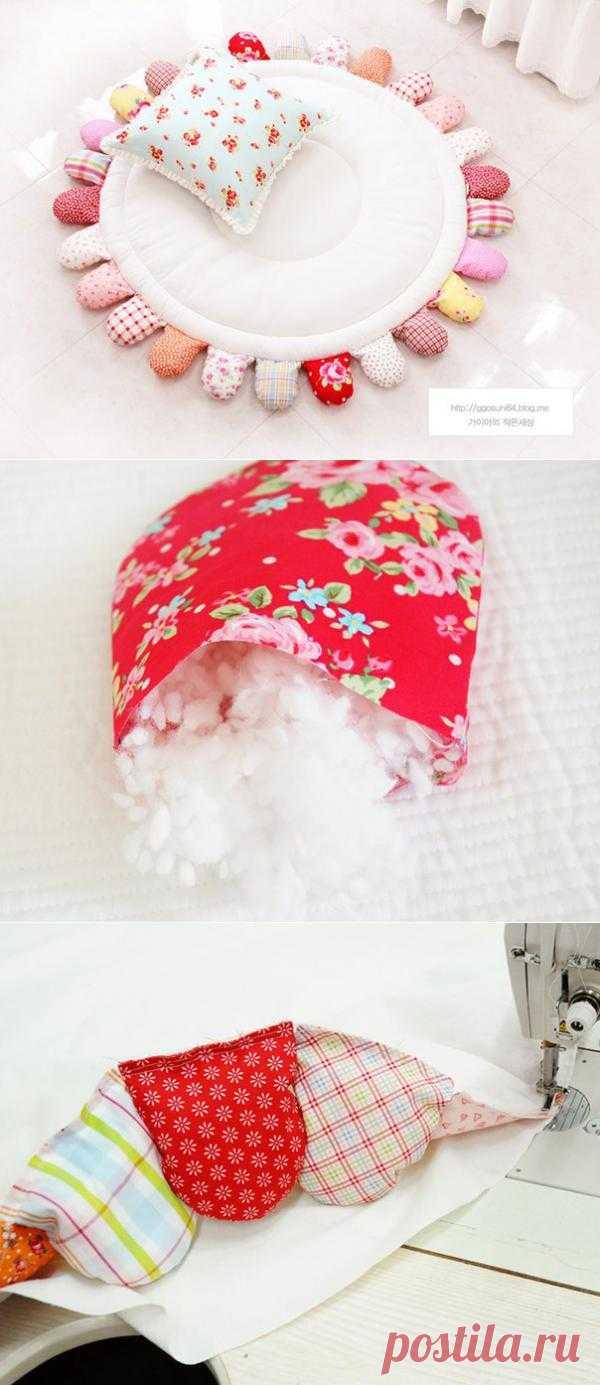 Коврик-цветок для малыша