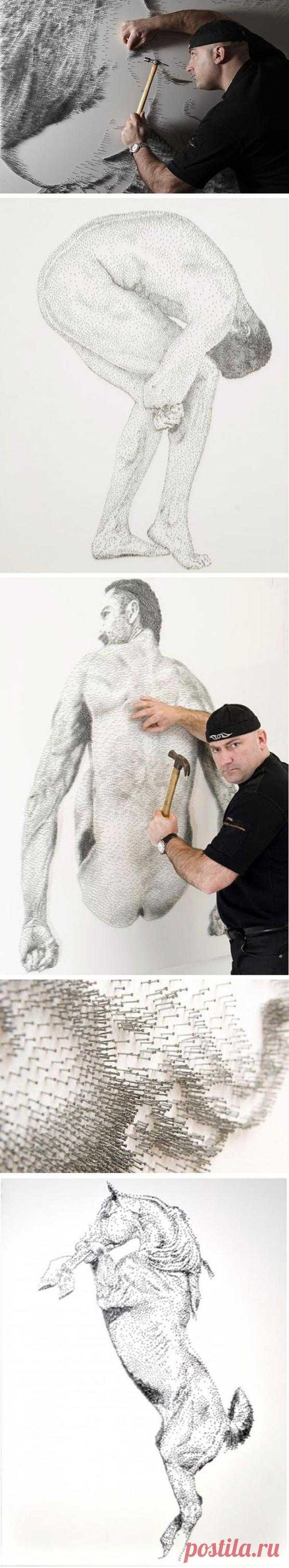 Картины из гвоздей Маркуса Левина. Чтобы создать одну такую картину нужно забить несколько десятков тысяч гвоздей. Большое значение в работах художника имеет освещение. Свет, меняющий направление и интенсивность в течение дня, создает удивительный эффект «живых» картин