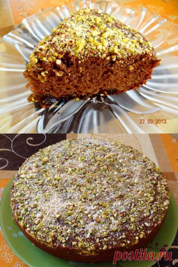 Медово-шоколадный пирог с изюмом и солёными фисташками - вкуснятина! (для получения рецепта нажмите на картинку)