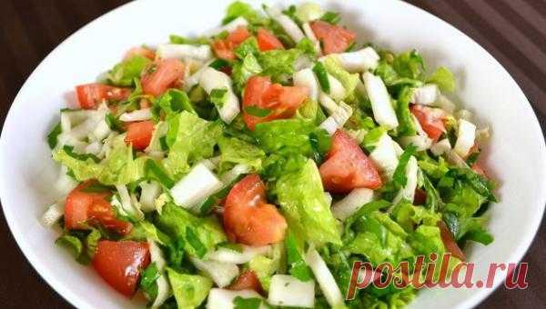 Красивый салат из пекинской капусты и помидоров кулинарный рецепт с фото