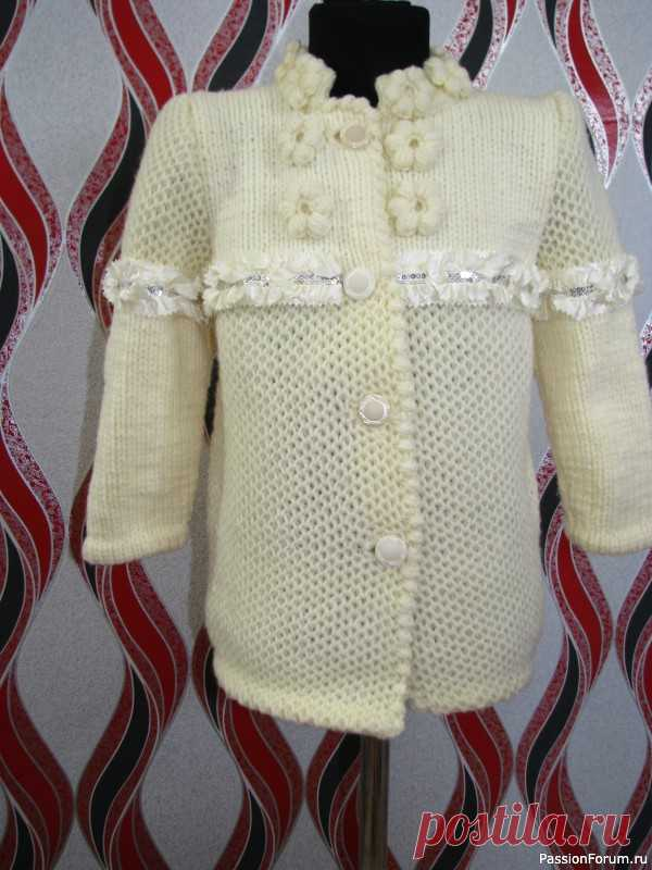Нарядная кофта для девочки.   Вязание спицами для детей