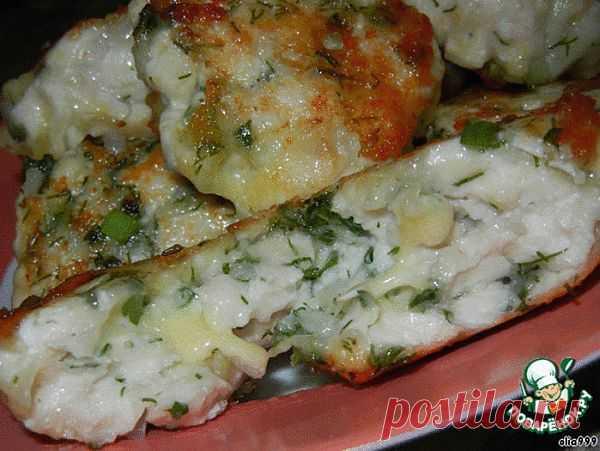 Пикантные рубленные котлетки из курицы с сыром и зеленью.
