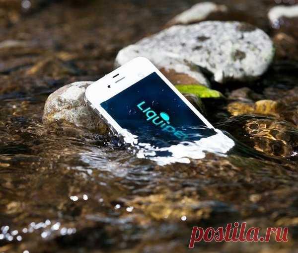 """Как спасти """"утопленный"""" смартфон: это нужно знать.   О компьютерах просто и бесплатно   Яндекс Дзен"""