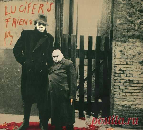 Lucifer's Friend - Lucifer's Friend (1970) FLAC Lucifer's Friend — дебютный альбом одноимённой хард-рок группы, выпущенный в 1970 году. Первый альбом сделан в типичном ключе 70-х годов и несколько напоминает ранние Deep Purple, Led Zeppelin и Black Sabbath. Дебютник Lucifer's Friend имеет темную лирику и урезанный стиль гитары и органа, альбом