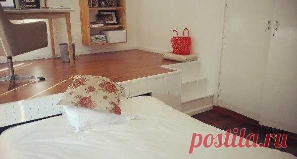 Увеличиваем полезное пространство спальни своими руками.