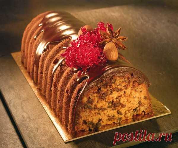 Рождественский кекс Хосе Монтеро (фото из журнала «Pastryrevolution»)