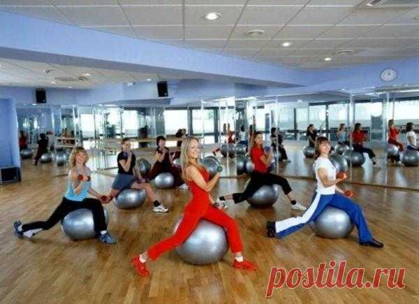 Многие не могут посещать тренажерный зал по ряду причин. Но это не повод, чтобы полностью отказаться от физической активности!