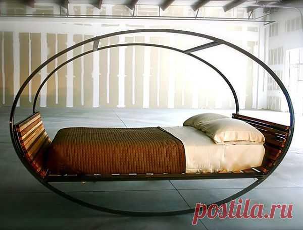 Вот такую кровать я бы хотела для моего идеального загородного дома. $5 000 USD