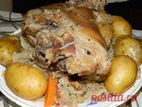 Чешский рецепт свиной рульки Ингредиенты:  Рулька свиная Пиво пшеничное 1.5 — 2 литра...