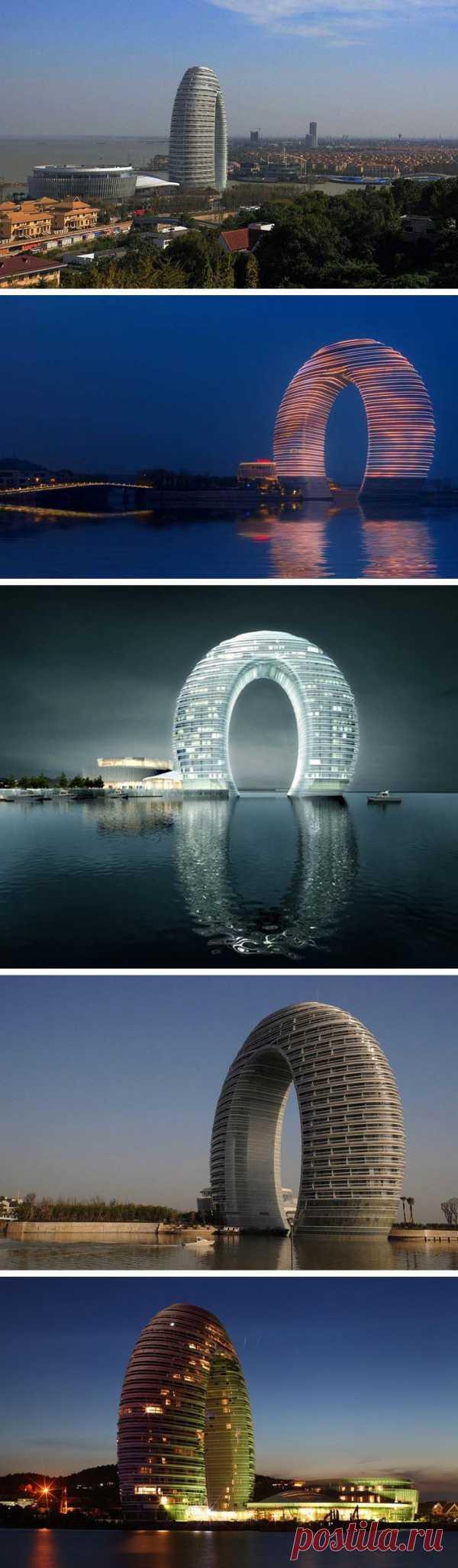 Удевительный отель-подкову построили в Китае