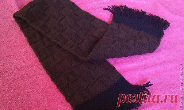 👌 Вязание шарфа спицами, хенд мейд Представляю вашему вниманию еще один вариант зимнего шарфа. На этот раз шарф предназначается моему папе на Рождество. Поскольку квадратики лицевых петель сменяются попеременно квад...
