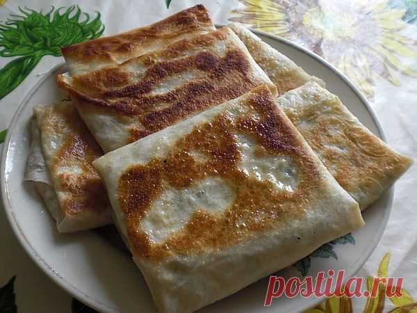 Горячие конвертики из лаваша с сыром