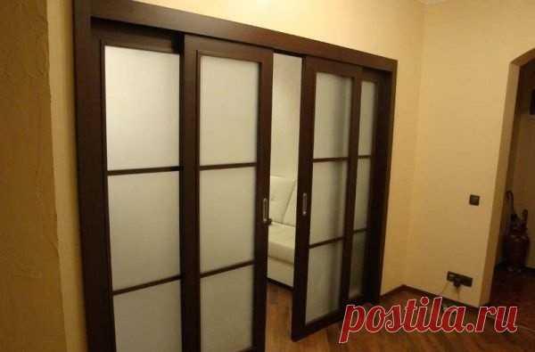 Межкомнатные раздвижные двери — их устройство и установка - Мужской журнал JK Men's В зависимости от ширины дверного проема двери раздвижные могут состоять из одного или нескольких полотен. Раздвижные двери можно установить в любом проеме, в