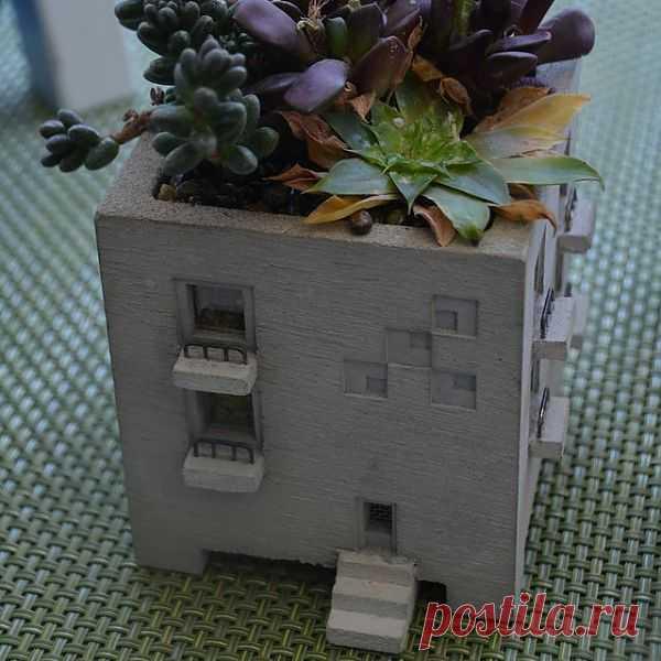 Персональный особняк для комнатных цветочкой:) $125 USD
