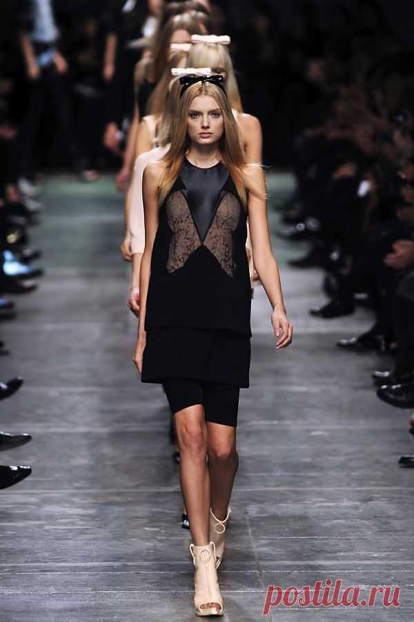 Странная вставка на платье / Кружево / Модный сайт о стильной переделке одежды и интерьера