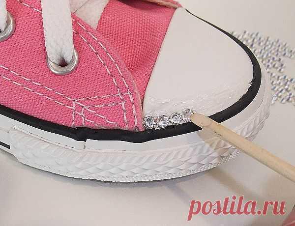 украшаем обувь стразиками
