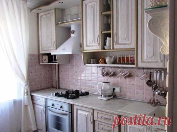Классика всегда в моде: как оформить дизайн интерьера маленькой кухни в классическом стиле