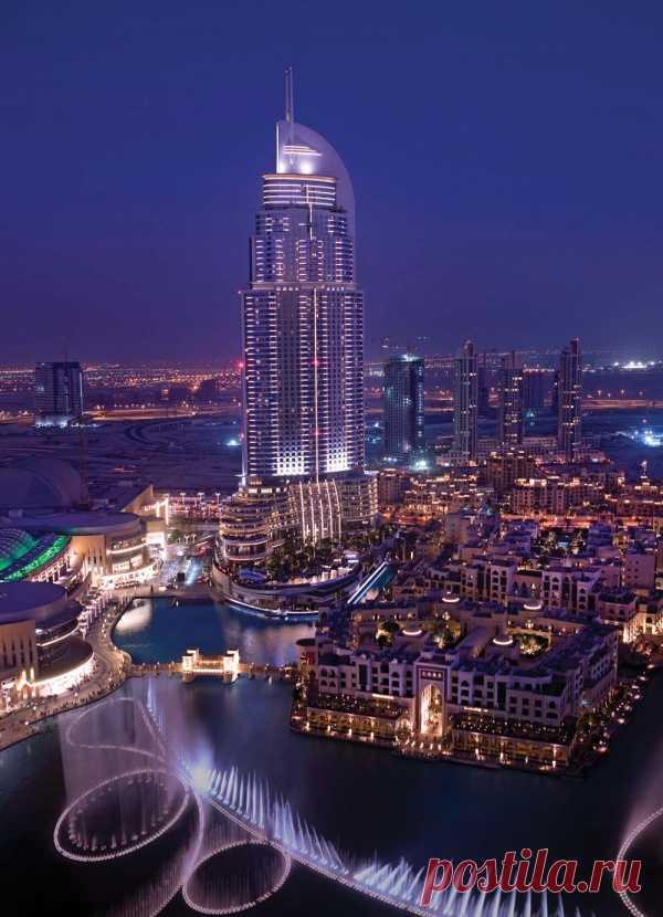 Вечером Дубай просто прекрасен. ОАЭ
