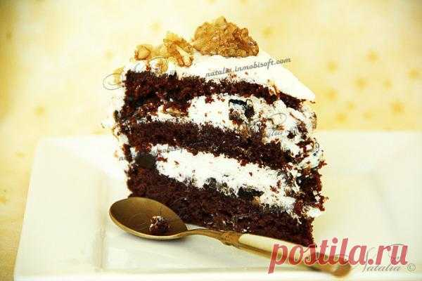 Торт с черносливом и орехами.