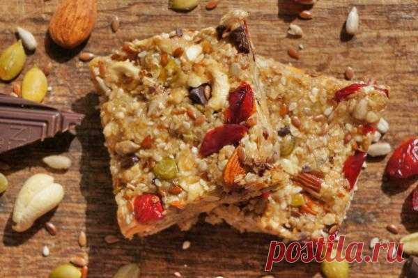 РЕЦЕПТЫ: Шоколадно-ореховые питательные батончики (protein bars) | Лайфхакер