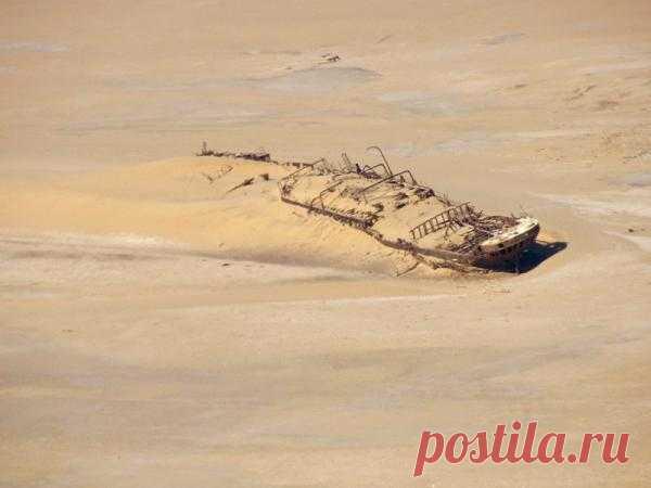 Самый знаменитый корабль в пустыне : НОВОСТИ В ФОТОГРАФИЯХ