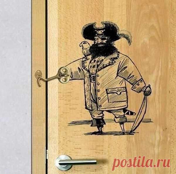 Дверная петелька с юмором!