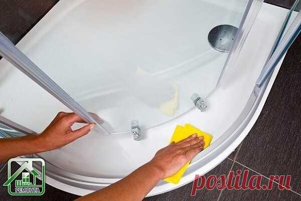 Уход за акриловой ванной   Акриловые ванны изготовлены из полимерного пластика и по сравнению с традиционными чугунными ваннами обладают рядом преимуществ и требуют особого ухода. Чем мыть акриловую ванну и какие чистящие вещества подходят для гладкого покрытия - давайте выясним.  Чем чистить акриловую ванну, при разных степенях загрязнения:     Малая степень загрязнение - отмоет обычное мыло или средство для мытья посуды, такой уход за акриловой ванной самый щадящий и про...