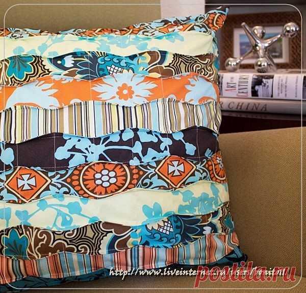 Декоративная подушка из полосок ткани: мастер-класс