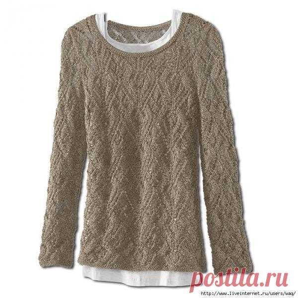 Пуловер с красивым узором.
