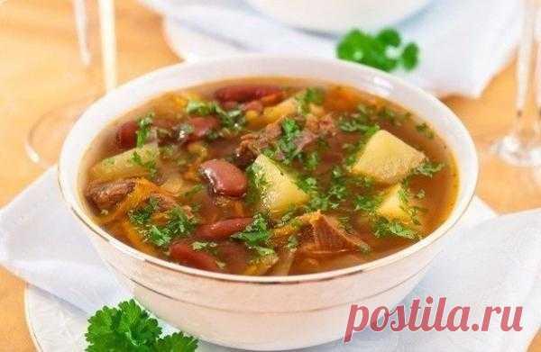 Суп с говядиной и фасолью.