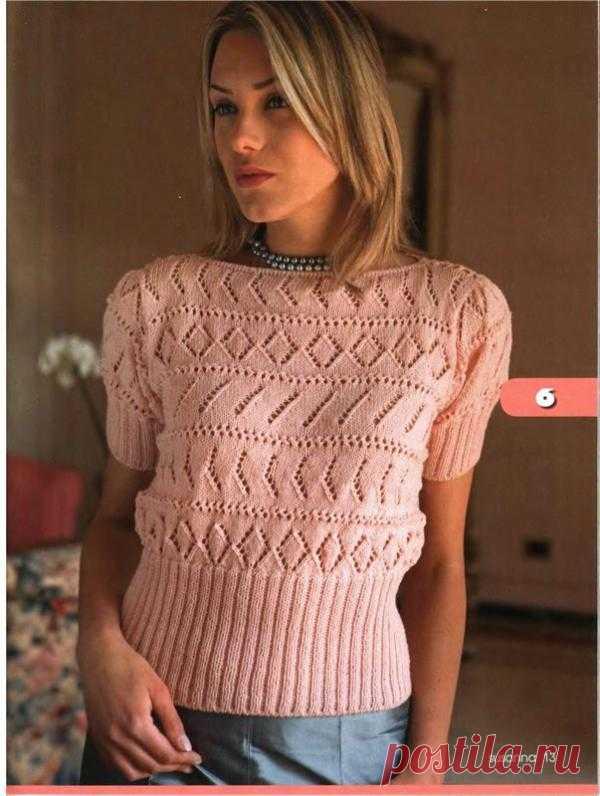 Пуловер с ажурным узором.