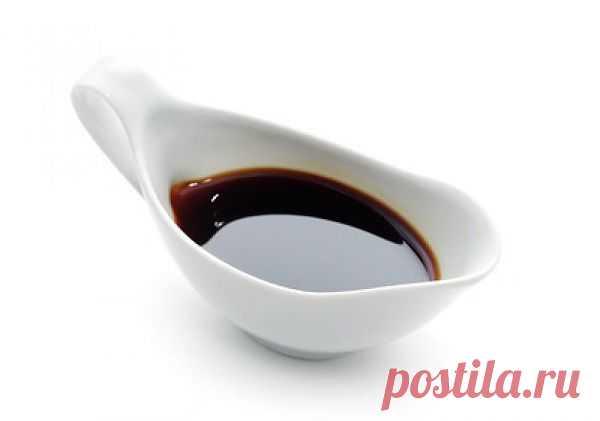 Соус Терияки (Тэрияки) – блюдо японской кухни на основе соевого соуса. Его можно купить в магазине, а можно приготовить дома, тем более рецепт приготовления соуса терияки вовсе не сложен.
