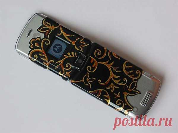 Роспись чехля для мобильного телефона. (Мастер-класс по клику на картинку).
